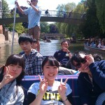Kaetsu Student go Punting in Cambridge