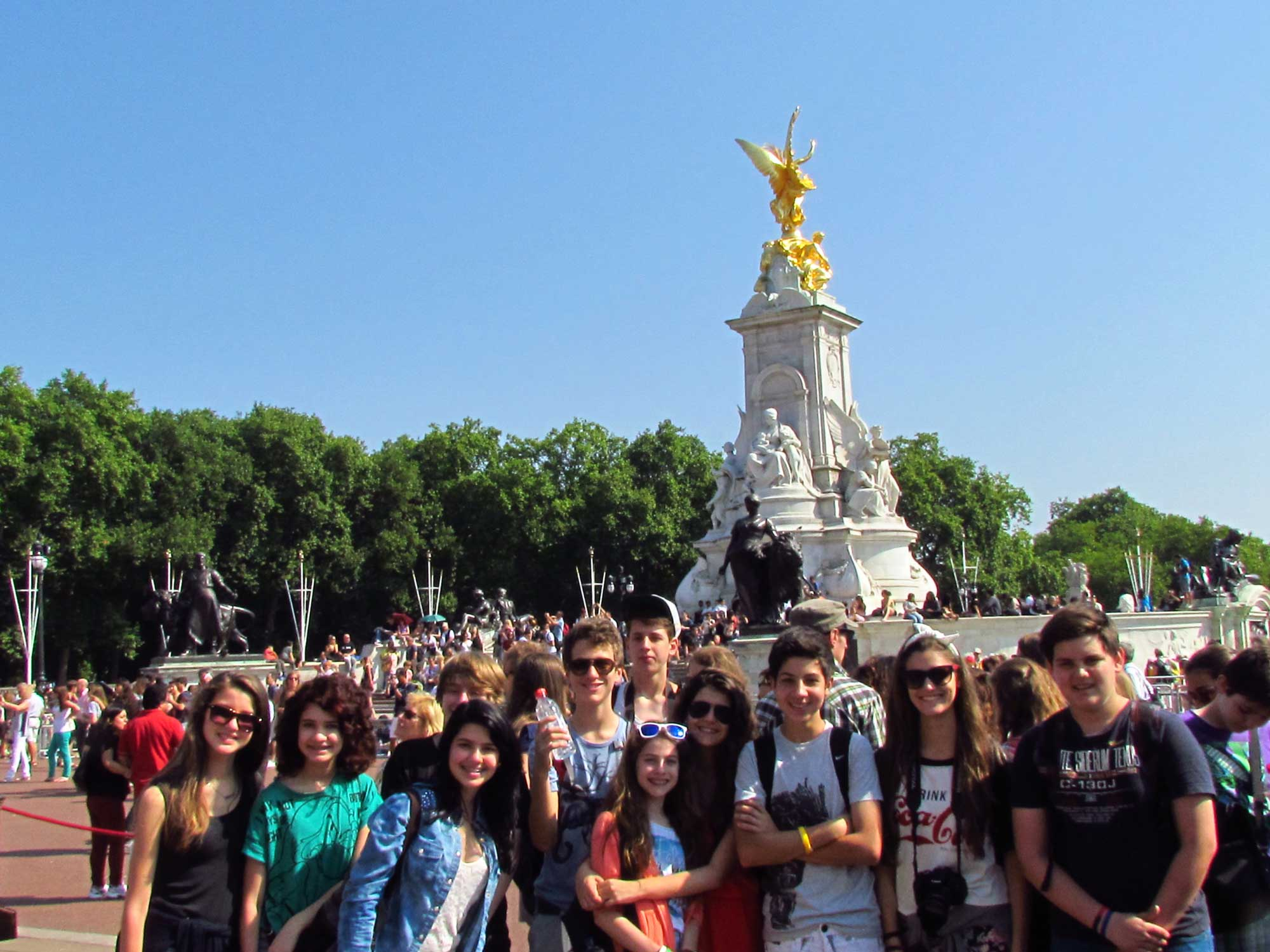 Friends' Full Day Trip To London