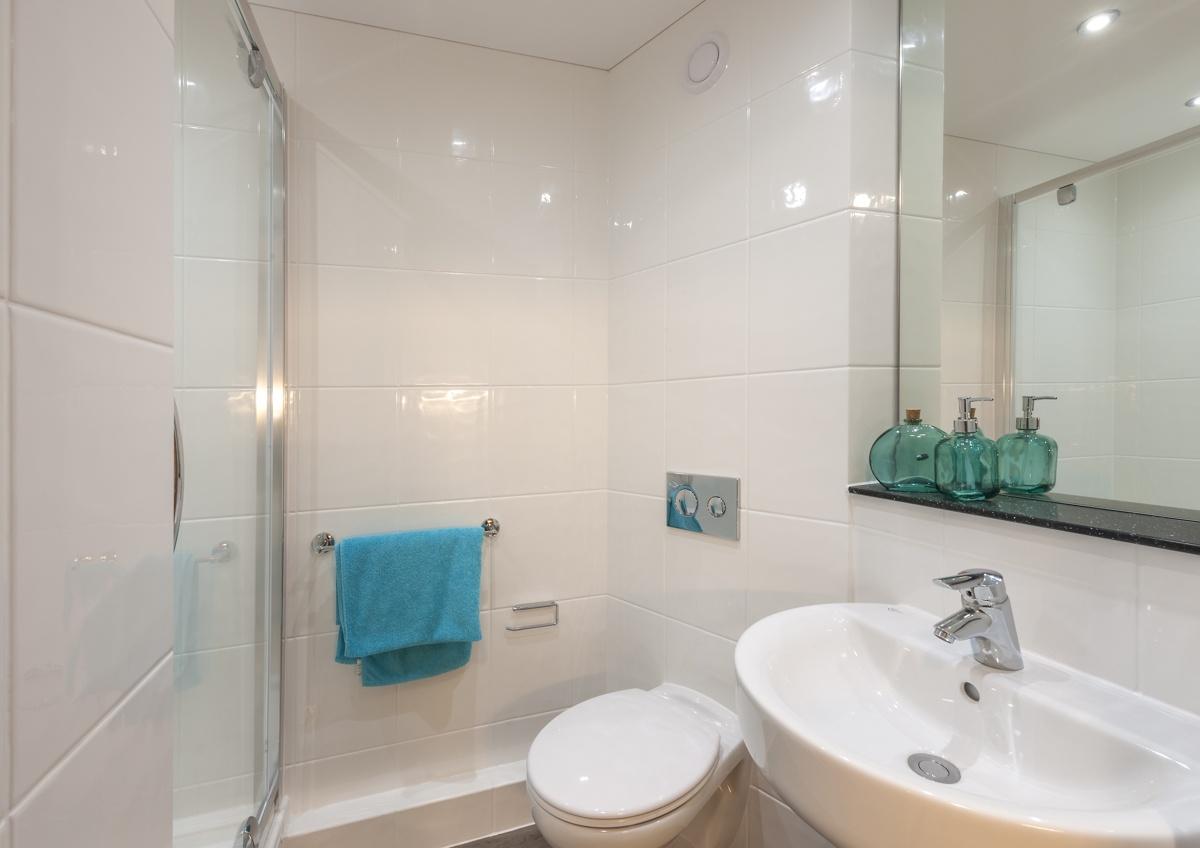 En-suite Bathroom for student